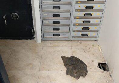 Delincuentes cavaron un túnel subterráneo para llegar a la bodega de un banco en Santa Elena